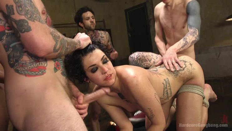 SCREAMER: Double Fucked Gangbang In Bondage And Full Suspension