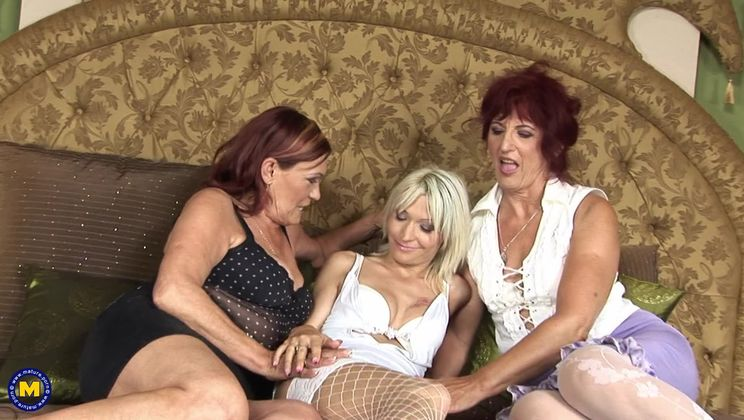 Mature sluts getting fucked Two Mature Sluts Getting Fucked By A Lot Of Guys Mature Nl Porngo Com
